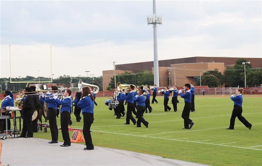 Wi-Hi Tribe performs at halftime vs Stephen Decatur 9/7/18